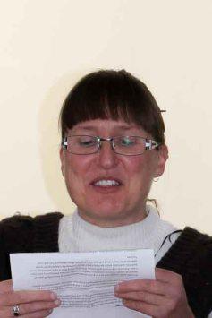 Kim-Stanley-giving-the-speech-on-behalf-of-Dereel-Residents.