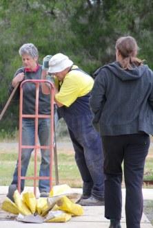 Volunteer-gardeners-admiring-wrok